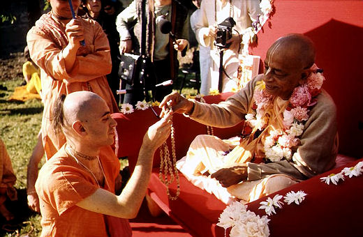 Srila Prabhupada gives initiation to his disciples in Germany